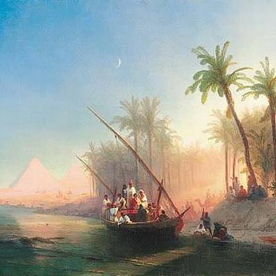 Лодка на реке Нил с пирамидами Гизы