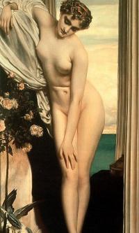 Венера раздевается для ванны